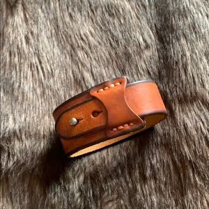 Jewelry - Brown leather cuff
